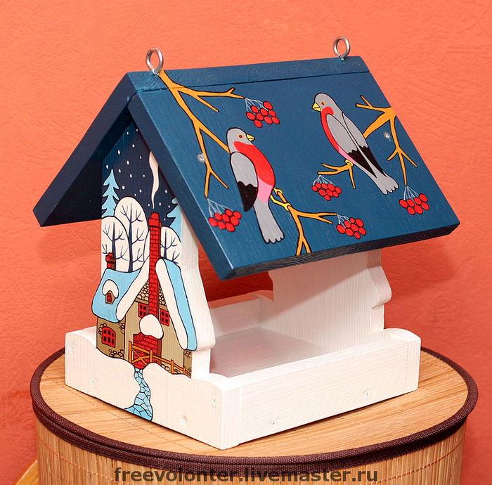 Раскрашиваем кормушку для птиц